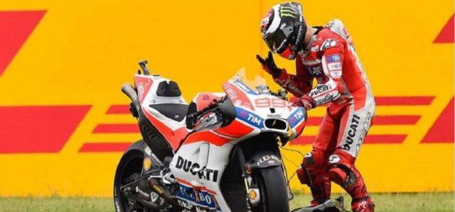 Ducati-Jorge-Lorenzo-resign-e1492496573189-990x464