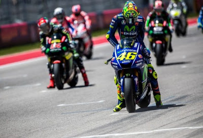Rossi in grid start