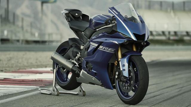 2017-Yamaha-YZF-R6-EU-Race-Blu-Static-004