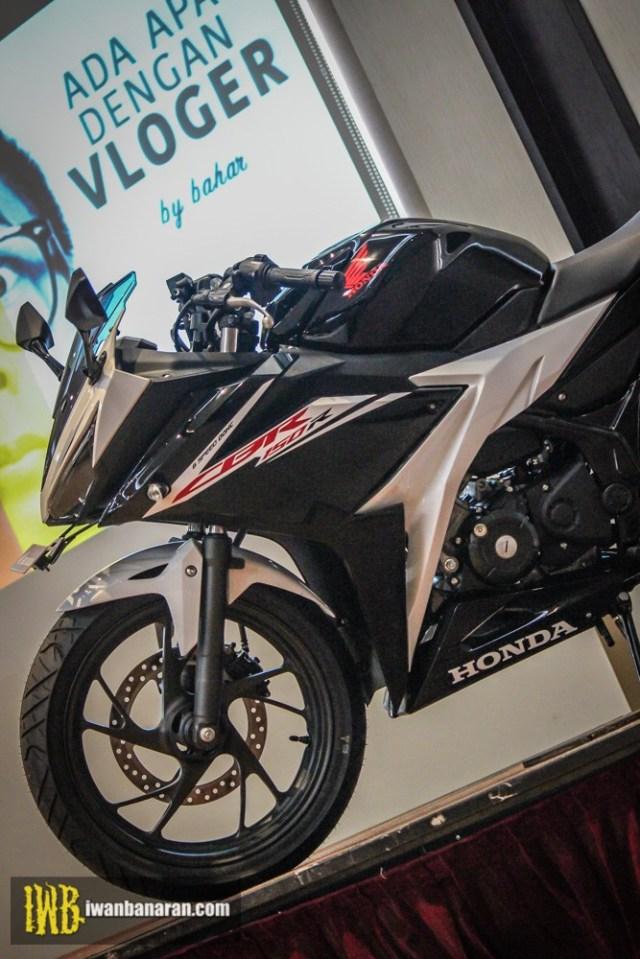 Honda-new-CBR150R-2017-10