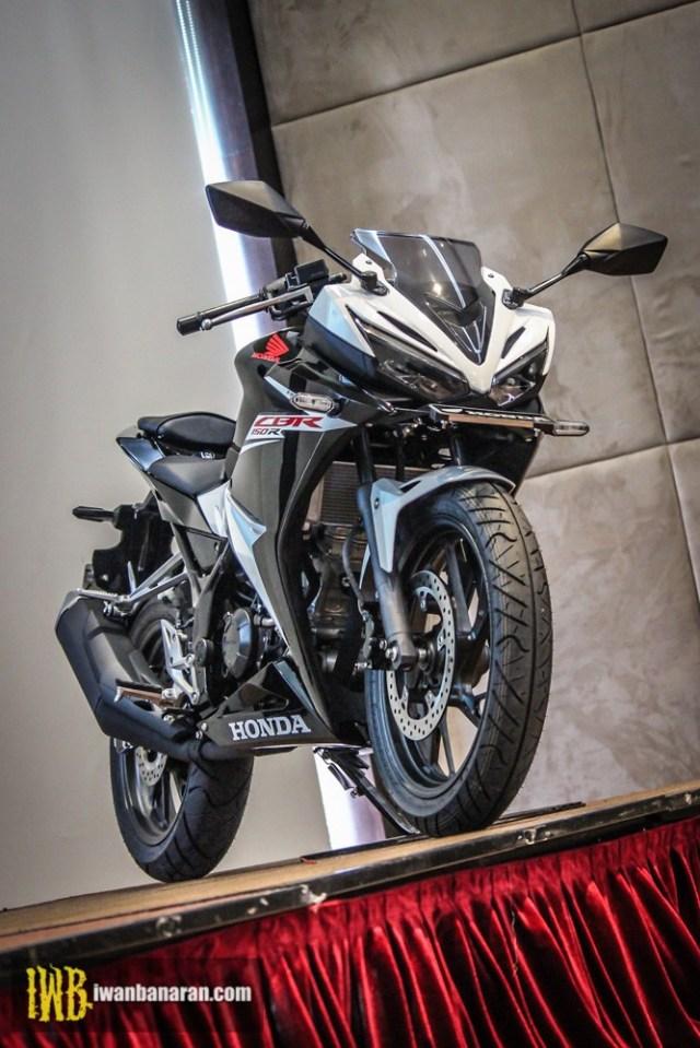 Honda-new-CBR150R-2017-11