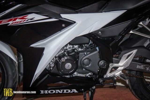 Honda-new-CBR150R-2017-13
