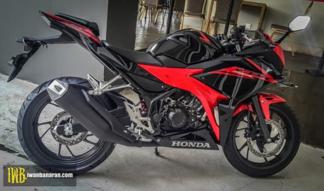 Honda-new-CBR150R-2017-19