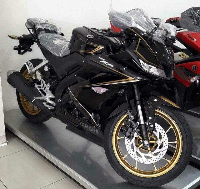 Yamaha-R15VVA-1068x1007