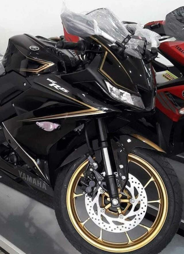 Yamaha-R15VVAa